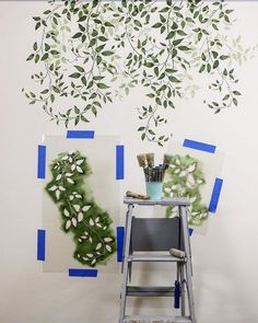 DIY painted and stenciled greenery and house plants on an accent wall using easy to use botanical plant stencils from Cutting Edge Stencils on a budget Stencil Decor, Wall Stencil Patterns, Painting Patterns On Walls, Diy Wand, Diy Home Decor On A Budget, Diy Home Decor Projects, Diy Tapete, Small Bathroom Paint, Diy Wall Painting