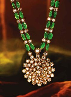 Emerald Necklace latest jewelry designs - Page 16 of 60 - Indian Jewellery Designs Emerald Jewelry, Gold Jewelry, Women Jewelry, Fashion Jewelry, Jewelry Shop, Fine Jewelry, Bead Jewellery, Beaded Jewelry, Beaded Necklace