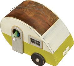 Camper Birdhouse - how cute is this!