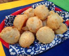 World Cup Snacks: Pão de Queijo (Cheese Bread)
