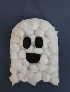 Simple Halloween craft for kids.