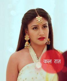 (1) Twitter Lehenga Hairstyles, Golden Blouse, Surbhi Chandna, Indian Tv Actress, Ethnic Looks, Bindi, Celebs, Celebrities, India Beauty