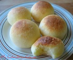 Pandebonos or cheese breads