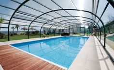Coberturas para piscina altas curvas