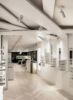 HOLLY Eyewear Store by 1POINT0, Toronto – Canada » Retail Design Blog