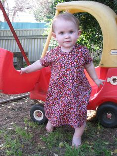 Life on the run: Sew Simple Dress - FREE Pattern! 12-18mos basic toddler dress