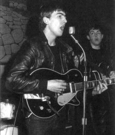 Rare Photos of The Beatles. George (singing) and Paul. The Silver Beatles. Ringo Starr, George Harrison, Paul Mccartney, John Lennon, Great Bands, Cool Bands, Rock And Roll, The Beatles Live, Beatles Art