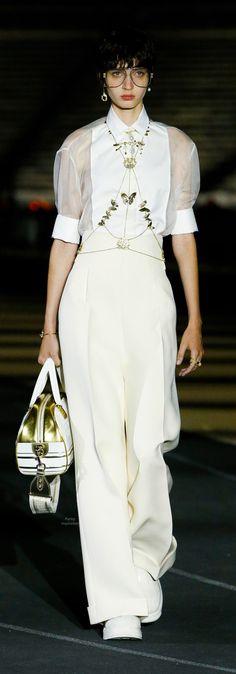 Runway Fashion, Fashion Show, Fashion Outfits, Womens Fashion, France Outfits, Cristian Dior, Miss Dior, White Fashion, White Style