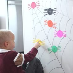 21 amazing ways to learn and play with contact paper. All of these sticky wall activities are fun and easy to do! #toddleractivity