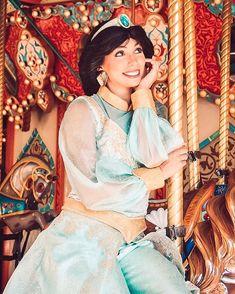 Aladdin And Jasmine, Princess Jasmine, Disney Love, Disney Magic, Adult Costumes, Cosplay Costumes, Disneyland Princess, Jessie Toy Story, Disney Face Characters