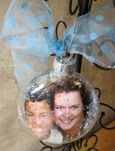 Give sweet memories with Christmas ornament gifts personalized with photos. Even at the last minute, making Christmas ornaments for grandparents has never been so easy! Unique Christmas Ornaments, Christmas Balls, Winter Christmas, Christmas Decorations, Glass Ornaments, Personalized Photo Ornaments, Origami, Holiday Crafts, Holiday Ideas
