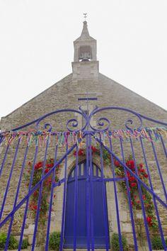 Casamento em Saint Malo, França, com decoração inspirada no Brasil e toda feita pela família!  http://www.minhafilhavaicasar.com/casamento-diy-marine-louis-franca/  #DIY #casamento #noivos #mariage #saintmalo #france #frança