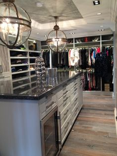 Crystal, I need a house that has this closet!!! Is it to hard to find?? What if I wish really hard??