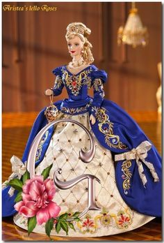 Looking for the Fabergé Imperial Elegance Barbie Doll? Immerse yourself in Barbie history by visiting the official Barbie Signature Gallery today! Barbie Style, Barbie Girl, Barbie And Ken, Barbie Blog, Barbie Gowns, Barbie Dress, Barbie Clothes, Beanie Babies, Barbie Collector