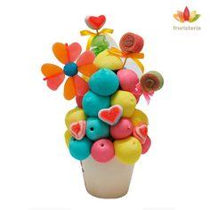 """Ramo de chuches """"Dulce Mamá""""   Nubes con colores de primavera, piruletas de fresa y flores y corazones de gominola   #DiadelaMadre"""