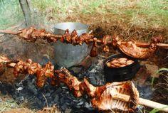 cordero asado - Buscar con Google Summer Bbq, Facon, Pork Recipes, Paella, Lamb, Grilling, Food And Drink, Tasty, Favorite Recipes