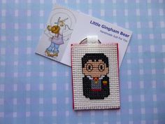 Handmade Keyring Harry Potter Hogwarts by LittleGinghamBear on Etsy Harry Potter Hogwarts, Gingham, Cross Stitch, Just For You, Bear, Unique Jewelry, Handmade Gifts, Etsy, Vintage