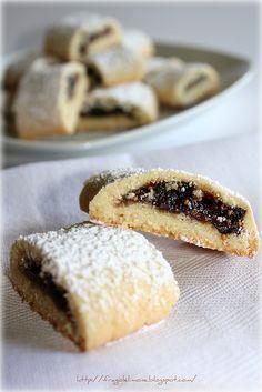 strudelini ai fichi. strudelini with figs