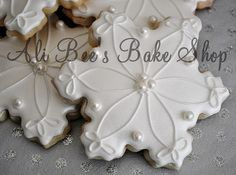 Large Snowflakes by Ali Bee's Bake Shop, via Flickr
