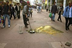 The official website of Julian Beever's pavement art, showing anamorphic illusions in chalk and paint and contact for art commissions, after-dinner speaking / talks. 3d Street Art, 3d Street Painting, Amazing Street Art, Street Artists, Chalk Artist, 3d Chalk Art, Art 3d, 3d Sidewalk Art, Pavement Art