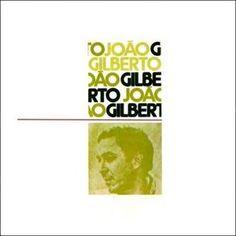 Les années Bossa s'estompent, plus guère d'innovation. João Gilberto sort en 1973 un album éponyme totalement étonnant et envoûtant. L'art de renouveler un genre en le transcendant grâce aux arrangements et à une classe innée. Le choix des titres est...