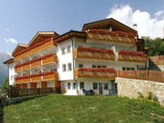 Ferienwohnungen, Südtirol, Italien. Herzlich Willkommen im Martelltal In einzigartiger Lage mit faszinierenden Ausblicken über das Martelltal, mehr auf www.travelina.ch