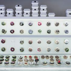 Not only is Barcelona a top place for a sociable drink, it now boasts a stylish new place to get a fix of chocolate. chök holds the sweet brown loveliness in the highest regard, exhibiting doughnuts in display cases like a jeweller shows off diamond rings...