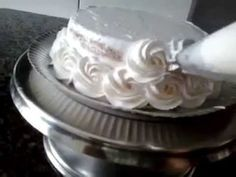 How to Create a Basketweave for Cake Decorations - Flower Basket cake tutorial - YouTube