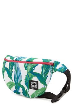 Avenue Dee Leaf Fanny Pack | Forever 21 - 1000205000