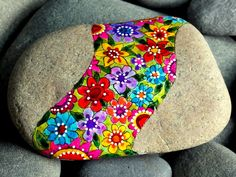 Wildflowers / meadow / flower child / hippie / painted rocks / painted stones / Sandi Pike Foundas / Love From Cape Cod by LoveFromCapeCod on Etsy