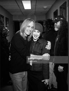 Tom Petty with eldest daughter, Adria, backstage at Madison Square Garden, in during the Last DJ Tour Judas Priest, Tom Petty, Ozzy Osbourne, Rock Legends, George Harrison, Bob Dylan, Pink Floyd, New Wave, Music Bands