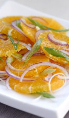 Fresh Orange & Red Onion Salad is easy to make and great with a tuna or chicken salad sandwich. Add greens and blue cheese or goat cheese to make it a meal on its own. #healthy #lunch #quick #recipes