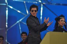 Shahrukh Khan at Mumbai Police Entertainment Show UMANG 2013.