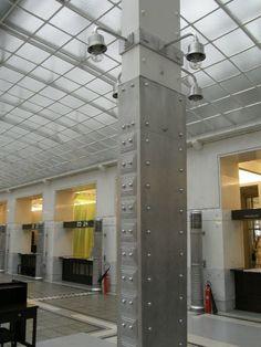 ゼツェッション 19世紀末 ドイツ オットー・ワーグナー 建築は必要のみ従う ウィーン郵便貯金 コンクリートに大理石を貼り、 装飾をかねたアルミの鋲 天井は半透明のガラスで柔らかい光 モダン建築の先駆け