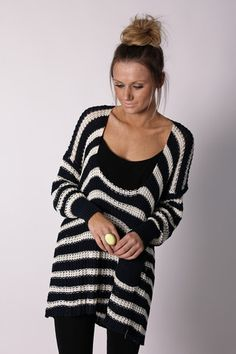 This looks so comfy! Not to metion it is adorable with black leggings.