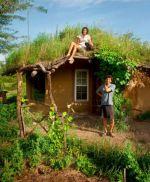 Casa feita somente com recursos naturais e gastando quase nada
