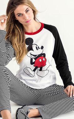 MICKEY CALIFORIA. Linha de Meia malha com estampa Mickey localizada. Combinações entre listras e cores. MIXTE PIJAMAS • DISNEY • Fall-Winter 2016 Pijama Disney, Disney Pajamas, Cute Pajama Sets, Cute Pjs, Pajama Outfits, Disney Outfits, Cozy Pajamas, Pyjamas, Pijamas Women
