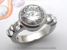 Бриллиантовое кольцо в то время как палладий