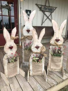 Celebrate Easter & Spring season with an outdoor decor. From Porch decoration to door decoration ot Yard decor, get best DIY Easter Outdoor Decor ideas here Spring Crafts, Holiday Crafts, Thanksgiving Crafts, Halloween Crafts, Wooden Crafts, Diy And Crafts, Easy Crafts, Beer Crafts, Room Crafts