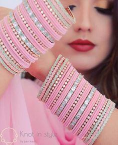 Indian Bridal Jewelry Sets, Bridal Jewelry Vintage, Bridal Bangles, Indian Jewelry, Antique Jewellery Designs, Fancy Jewellery, Indian Jewellery Design, Thread Bangles Design, Jewelry Design Earrings