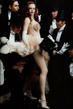 "Nicole Kidman, Moulin Rouge, by Annie Leibovitz. ""diamonds are a girls best friend"" Le Moulin Rouge Paris, Satine Moulin Rouge, Moulin Rouge Movie, Moulin Rouge Costumes, Nicole Kidman Moulin Rouge, Showgirl Costume, Pink Costume, Dance Costume, Annie Leibovitz Photography"
