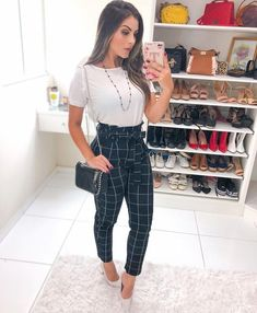 32 vintage summer outfits ideas you will love 1 Classy Work Outfits, Business Casual Outfits, Professional Outfits, Dressy Outfits, Business Attire, Party Outfit Casual, Business Fashion Professional, Business Clothes, Vintage Summer Outfits