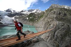 Most Dangerous And Deadly Pedestrian Bridges In The World