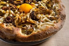 Mixed Wild Mushroom Pizza with Fried Egg Wild Mushrooms, Stuffed Mushrooms, Hangover Food, Hangover Cures, Jean Georges, Mushroom Pizza, Friend Recipe, Savory Tart, Gourmet