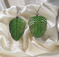 Leaf Earrings - Quilled by: Sanda Creations Paper Quilling Earrings, Paper Quilling Patterns, Quilled Paper Art, Quilling Paper Craft, Quilling Flowers, Paper Jewelry, Paper Beads, Beaded Jewelry, Bottle Jewelry