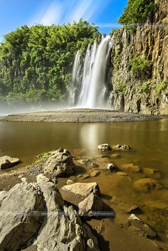 Cascade Niagara - Ile de la Réunion | Flickr: partage de photos! Travel Around The World, Around The Worlds, Amazing Destinations, Nature Pictures, Beach Trip, Pretty Pictures, Places To See, Beautiful Places, Scenery