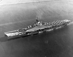 d Leyte 1946 Essex-class (extended bow) Us Navy Aircraft, Navy Aircraft Carrier, Military Life, Military Art, Pearl Harbor 1941, Essex Class, American Aircraft Carriers, Navy Carriers, Leyte