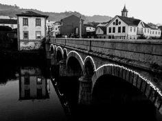 Boa tarde :D A Ponte Velha de Arcos de em modo Preto & Branco ontem quando a noite começava a cair e as luzes se ligavam