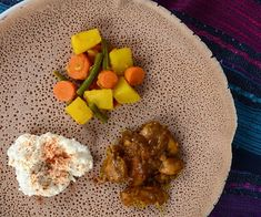 Ethiopian Meal With Injera Teff Recipes, Superfood Recipes, Gourmet Recipes, Salad Recipes, Healthy Recipes, Ethiopian Injera, Thai Chicken Curry, Breakfast Recipes, Dinner Recipes