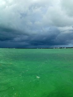 Florida Keys - storm's coming Florida Sunshine, Severe Storms, Gods Creation, Travel Memories, God Bless America, Florida Keys, Cool Places To Visit, Mother Nature, The Good Place